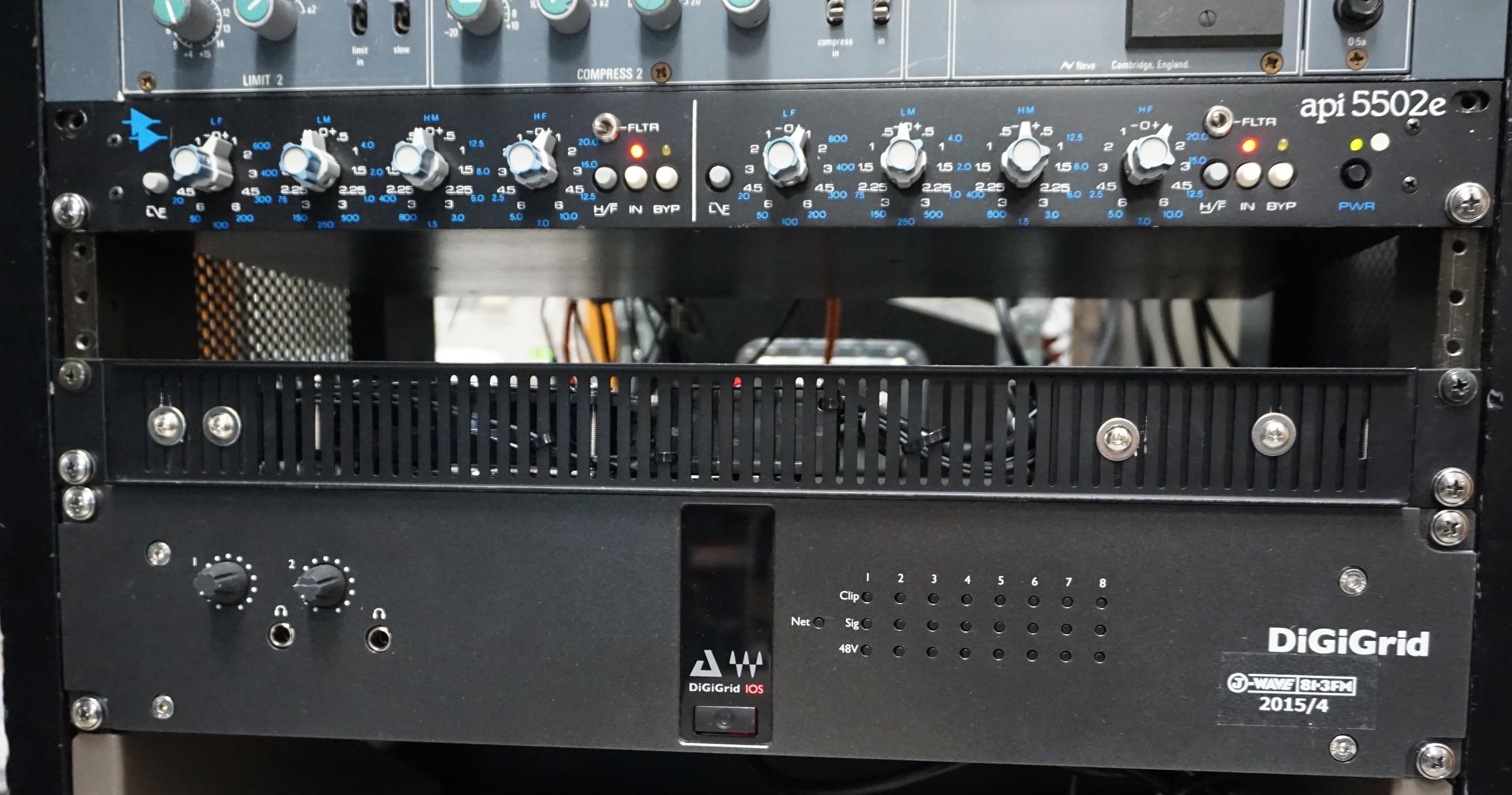 ラジオ局でのIOS導入にあたって~様々な用途に対応するDiGiGrid